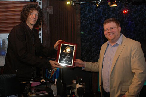 Howard Stern accepting Bravery in Radio Award